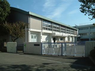 調布市立布田小学校写真1